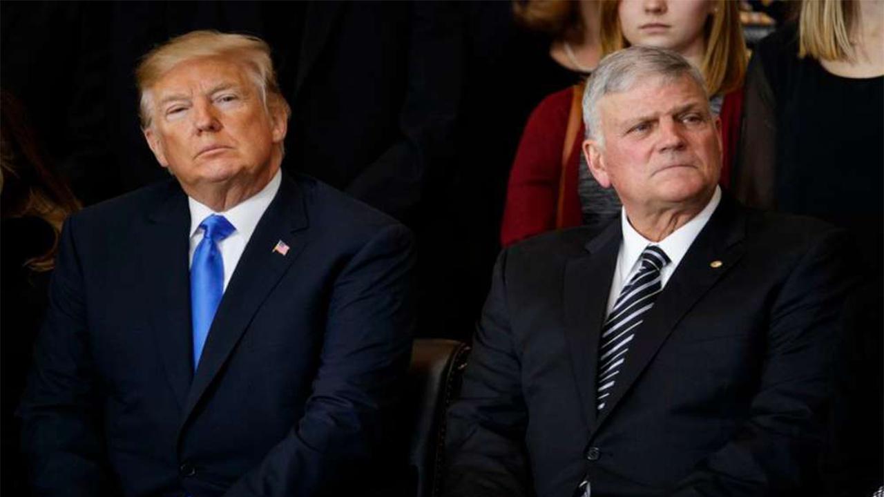 """En este momento estás viendo Franklin Graham: """"No entiendo por qué hay tanto odio por un presidente"""""""